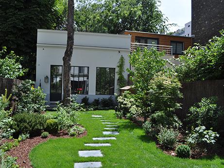 Paris 16 un jardin for Amenagement jardin tout en longueur